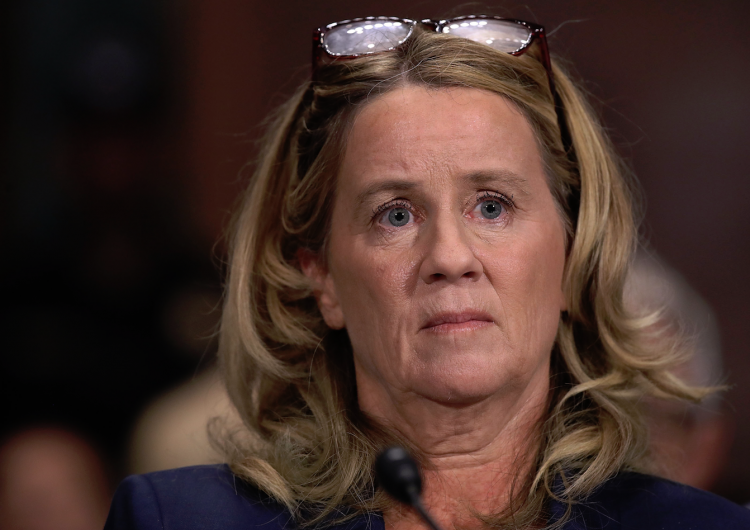 La mujer que acusa a Kavanaugh, candidato a la Corte, da su versión en audiencia histórica en EE. UU.