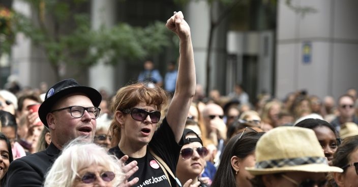 Realizan mujeres marcha por sus derechos en el festival de cine de Toronto