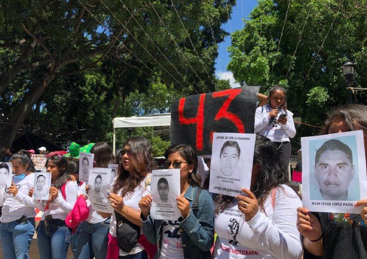 Verdad y justicia, exigen en Oaxaca por Los 43