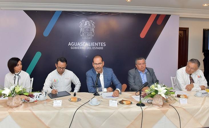 Se reúne gobernador con miembros del Frente Nacional por la Familia