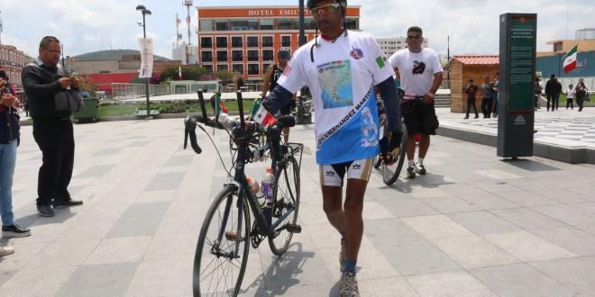 De Chicago a la capital, Gonzalo viajó en bicicleta