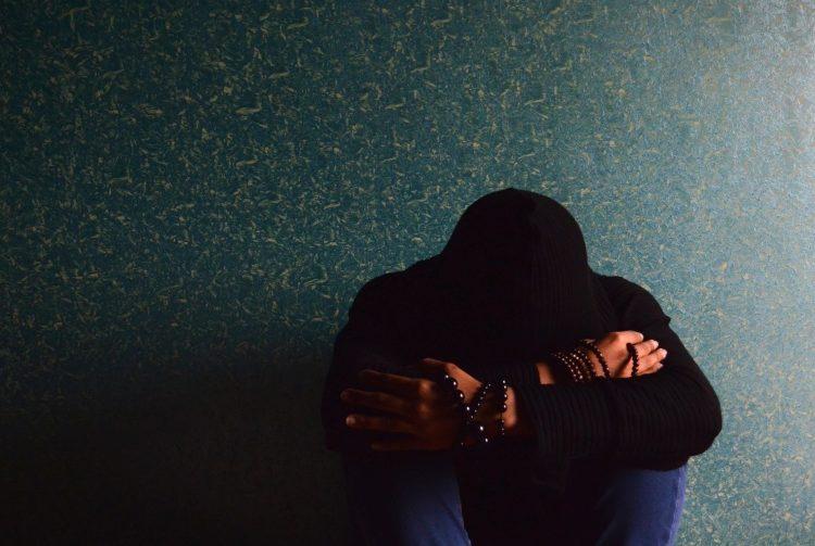 La tristeza, inicio de la depresión y suicidio de jóvenes