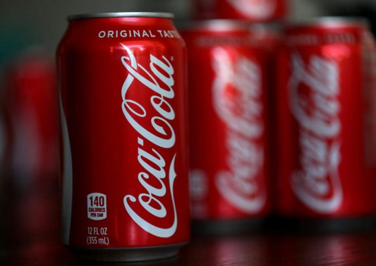 "¿Una Coca-Cola ""high""? La empresa ""monitorea"" a la marihuana para nueva bebida"