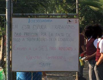 Escuelas van a paro por falta de pago a maestros