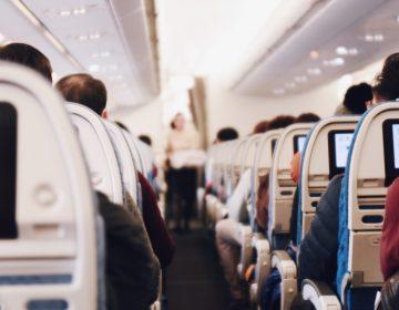 ¿Una epidemia? Un avión que partió de Dubai a Nueva York es revisado por alerta sanitaria