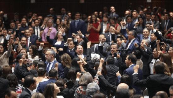 Tachan de gritones y arrogantes a legisladores federales de Morena