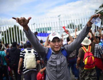 Caravana migrante: así inició el cruce de hombres, mujeres y niños hacia México (fotos)
