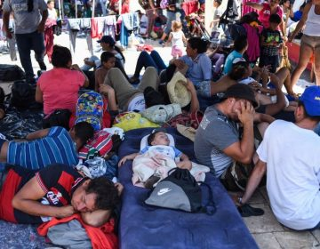 Caravana migrante: a pie, sin pertenencias y ¿financiados por Venezuela?