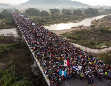 """Civiles armados de EE. UU. quieren """"ayudar"""" a frenar caravana migrante"""