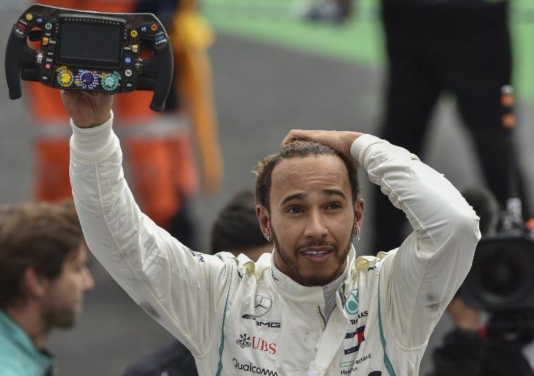 Lewis Hamilton se lleva su quinto campeonato y lo celebra en Mexico