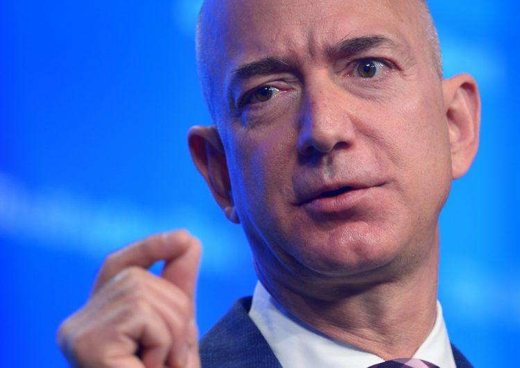 Amazon cede a la presión: cada trabajador ganará al menos 15 dólares (280 pesos) por hora