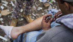 Reducción del daño: cómo el regalar jeringas limpias a adictos…