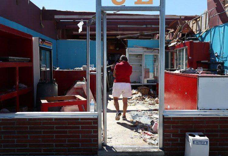 Se eleva el número a 17 muertos por el huracán Michael