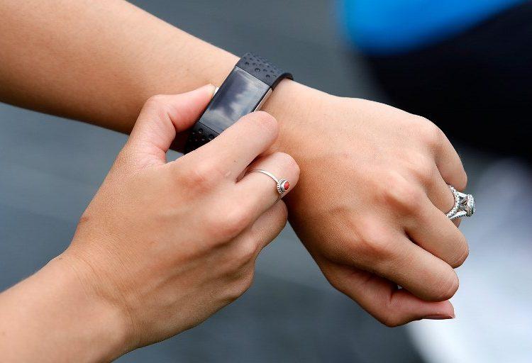 "Una pulsera Fitbit se convierte en ""testigo"" de un crimen ante autoridades de California"