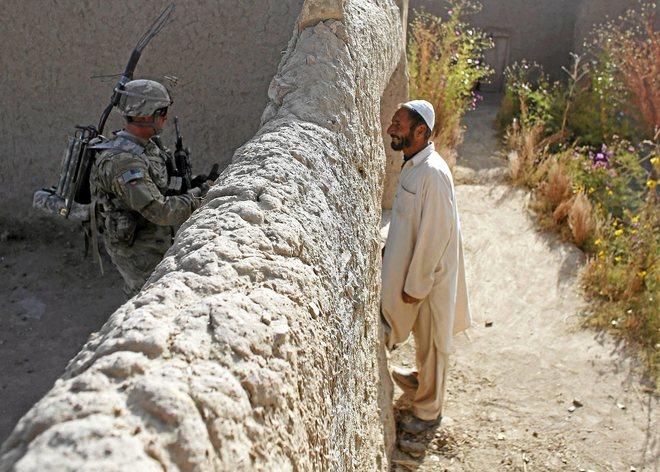 Confirman primera reunión oficial entre EE. UU. y talibanes de Afganistán