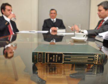 Firmas de abogados: ¿por qué es importante tenerlas en cuenta?