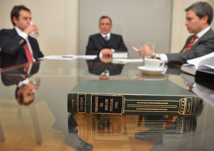 firmas-abogados-cuenta-servicios