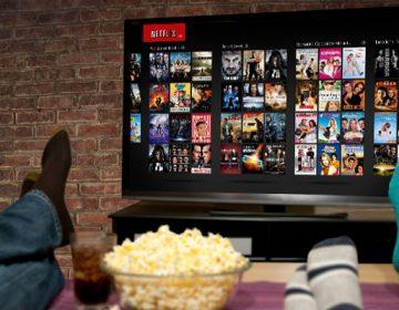 ¿Son demasiadas opciones? Por qué no puedes escoger algo rápido en Netflix