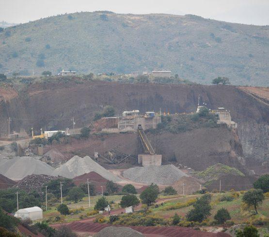 """""""Si no paramos, ¿qué nos espera?"""": académicos y vecinos denuncian daños ambientales por aeropuerto en Texcoco"""