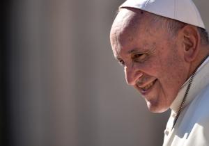 """Un aborto es recurrir a un """"asesino a sueldo"""" según el papa"""