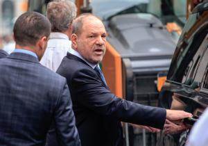 Juez de Nueva York anula uno de los cargos de agresión sexual contra Harvey Weinstein