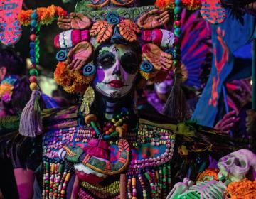 Catrinas, altares y cempasúchil: el significado del Día de Muertos para los mexicanos