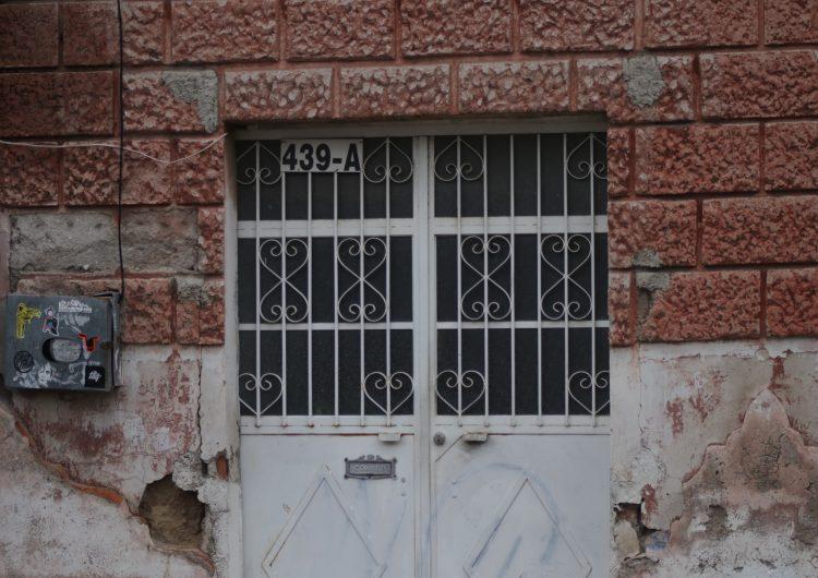 Fincas viejas, bares nuevos: el deterioro del centro histórico