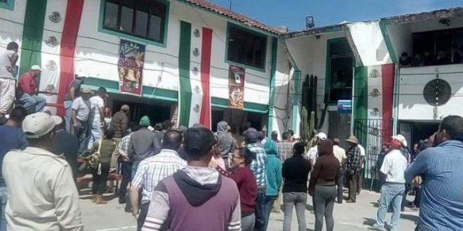 Pobladores no creyeron en edil de Metepec, luego lincharon