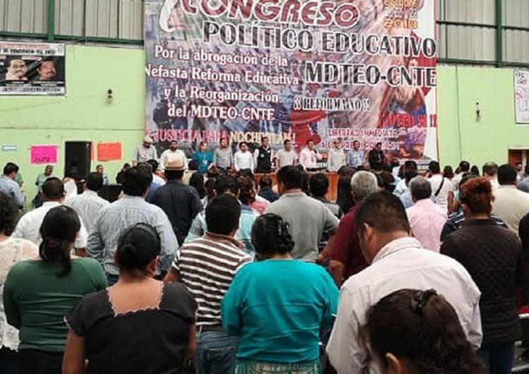 Huelga y disputas echan abajo foro educativo en Oaxaca