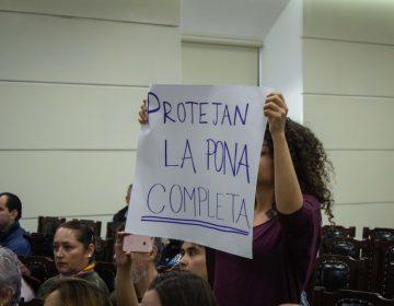 Las posturas tras la protección de La Pona