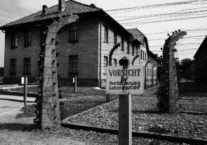"""Chelsea enviará a sus aficionados """"racistas"""" a visitar un campo de concentración nazi"""
