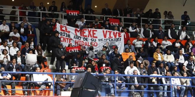 Madruga SNTE en foro; fue una farsa, dice CNTE