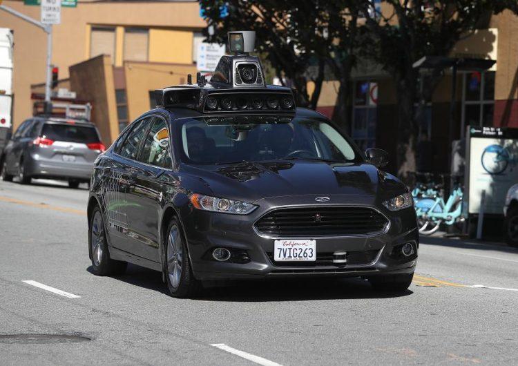 ¿Cómo deberían responder los vehículos autónomos ante un accidente fatal inevitable?