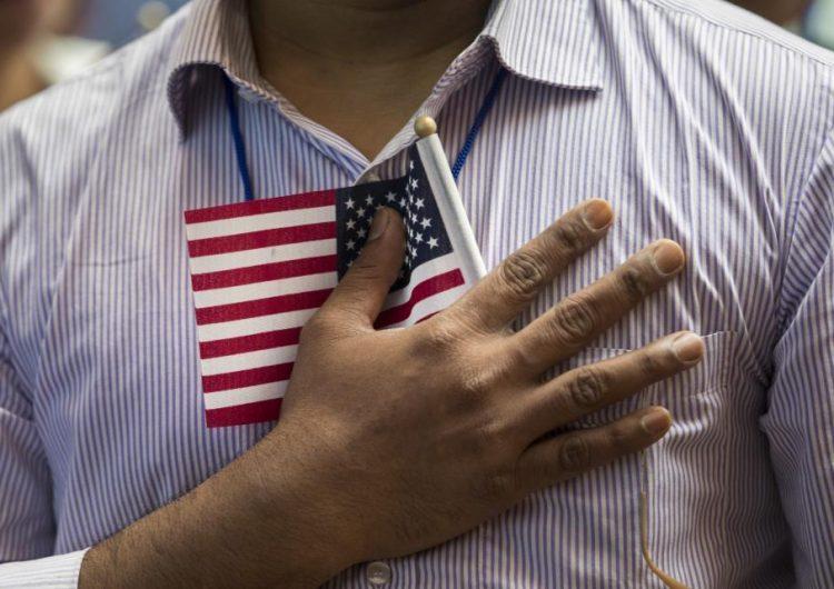 El tiempo de espera para conseguir ciudadanía en EE. UU. se prolonga a dos años con Trump