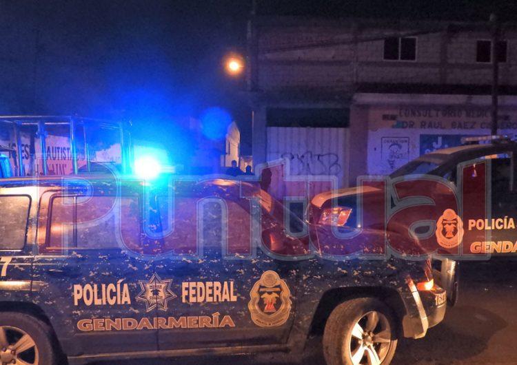 """Enfrentamiento entre la Gendarmería y """"huachigaseros"""" en Xonacatepec"""