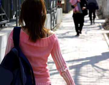 Llama CDHEA a implementar protocolos contra acoso en universidades