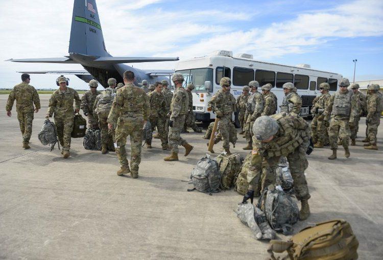 EE.UU. tendrá más de 7,000 militares cerca de la frontera con México este fin de semana