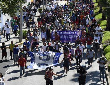 Cerca de 5,000 centroamericanos dejan la CDMX y prosiguen marcha hacia EE. UU.