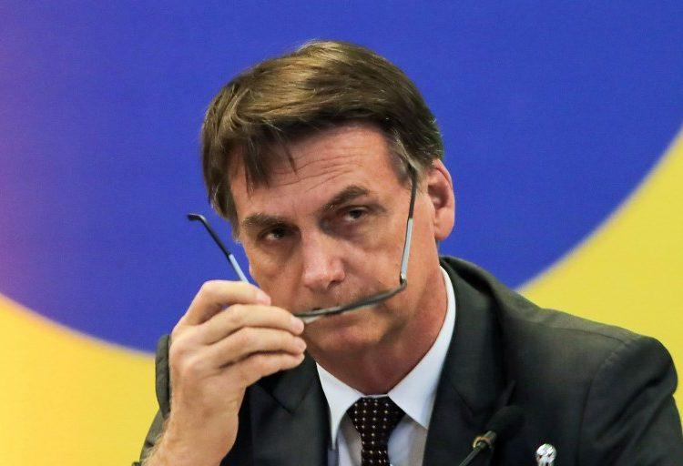 Cuba responde a críticas de Bolsonaro y retira sus médicos de Brasil