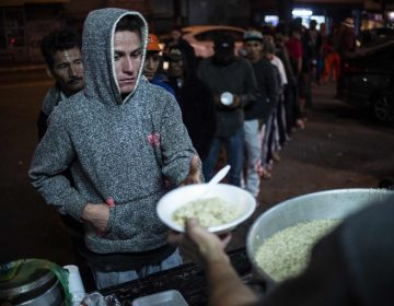 Albergue en Tijuana llega a su límite con caravana migrante; otro grupo de centroamericanos llega a Chiapas