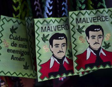 Una pistola con diamantes, Malverde y Coronel: el otro lado del juicio del Chapo