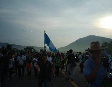 Brinda Veracruz transporte a caravana migrante, va a la CdMx