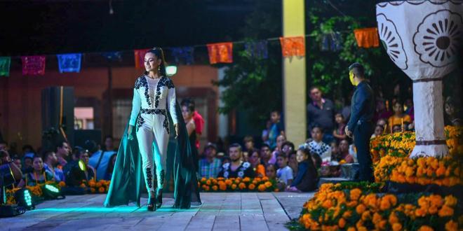 Celebran el certamen Señorita Cempoalxóchit en el Xantolo