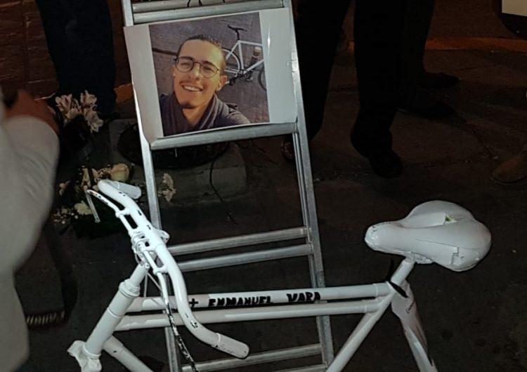 Colocan bicicleta fantasma por accidente vial de Manu, activista y funcionario de movilidad