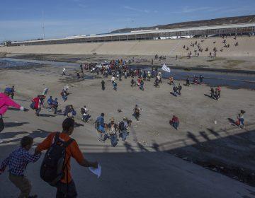Pide México a EU investigar agresión contra migrantes hondureños