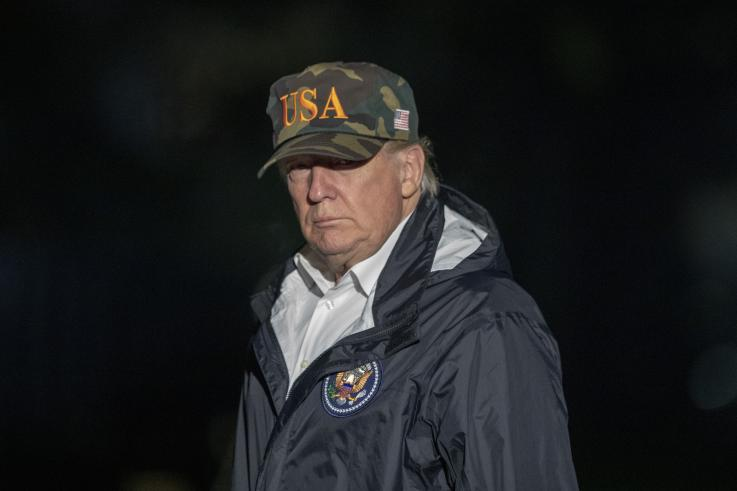 Trump autoriza el uso de la fuerza contra la caravana migrante, revela documento de la Casa Blanca
