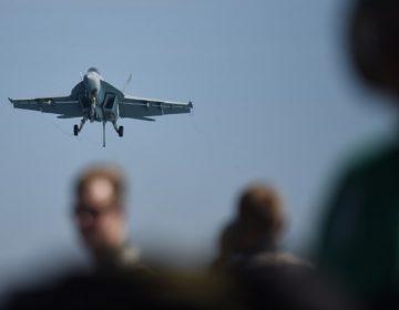 Dos aviones estadounidenses chocan en Japón; hay un muerto y cinco desaparecidos