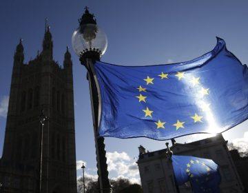 """Parlamento británico """"obligará"""" a Theresa May a publicar todos sus informes legales del Brexit"""