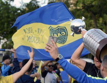 Tras 2 semanas de controversia, hinchas argentinos llegan a Madrid por amor a la camiseta
