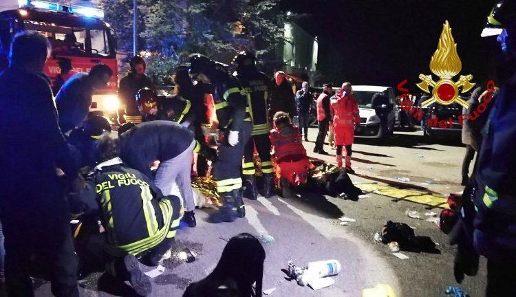 Estampida en medio del pánico en una discoteca deja seis muertos y varios heridos en Italia